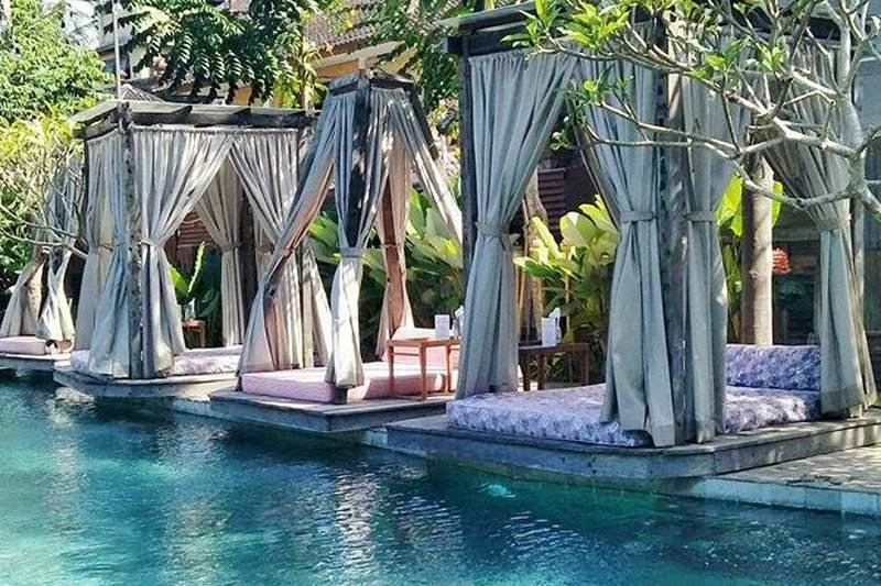 Dine & Wine Bali Restaurant Guide Folk Pool & Gardens International Indonesian Grill BBQ Ubud Swimming Pool Cabana Sun Beds