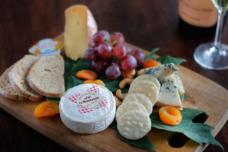 Dine & Wine Bali Restaurant & Culinary Guide Gourmet Shop Bali Catering Company Seminyak Cheese Platter